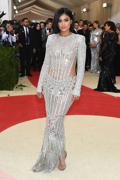#KylieJenner at Met-Gala (May 2016) in #Whoa #RedCarpet #Couture Gown
