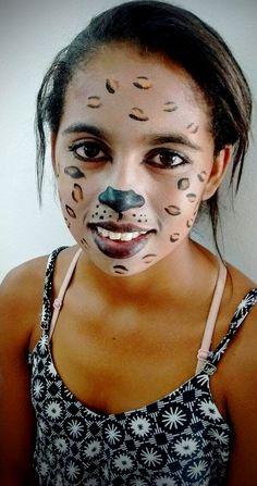 Pintura de rosto da peça PLOC, da Cia de Teatro Araticum, Paraguaçu,MG
