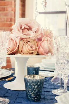Cake stand and roses. Soha Lavin of CountDown Events Planning & Design + Tala Florist.
