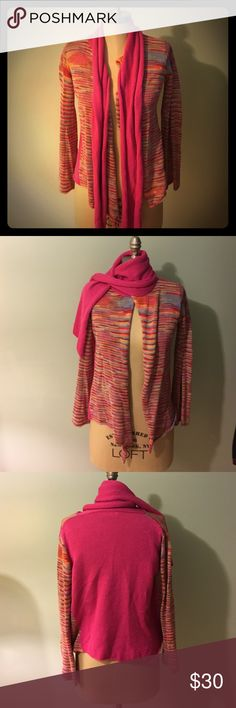 ❤Suss Scarf Attached Cardigan ❤ Comfortable multi-color + rich pink button less cardigan. Convenient Attached scarf keeps u snuggled during colder weather and gives piece of mind for those of us who loose dozen each 😆 Long bell bottom sleeves add spunk to this classic SUSS design. SUSS is a brand sold at Neiman Marcus & Nordstrom. ❄☃ SUSS Design Sweaters Cardigans