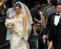"""A estrela ucraniana Mila Kunis já teve direito a um """"sim"""" muito luxuoso no filme Ted, em que fazia par romântico com Mark Wahlberg. Veja mais: http://yeswedding.com.br/pt/antena-yes/post/mila-kunis-vestida-de-noiva"""