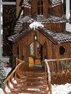 winning Gingerbread House by Ramona Hotel. Reminds me of my twiggy home!