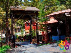 """MICHOACÁN MÁGICO. Después de la conquista española, una de las actividades económicas más importantes en el estado de Michoacán fue la minería y el pueblo de Tlalpujahua es prueba fehaciente de ello. En lo que fuera una zona minera en abandono, después de muchos esfuerzos se estableció el museo """"Mina las dos estrellas"""", considerada en sus tiempos de las más productivas a nivel mundial. Michoacán Mágico le invita a dar un recorrido por este imponente lugar. HOTEL LA CASITA…"""