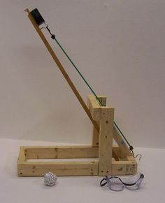 The Backyard Ogre Catapult Project Physics Projects, Stem Projects, School Projects, Projects For Kids, Wood Projects, Crafts For Kids, Cool Woodworking Projects, Woodworking Plans, Catapult Diy