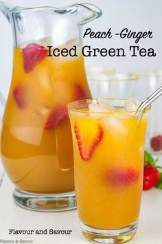 Peach Ginger Iced Tea is a refreshing glass of iced green tea, sweetened with fresh peaches and flavoured with ginger. Peach Ginger Iced Tea is a refreshing glass of iced green tea, sweetened with fresh peaches and flavoured with ginger. Milk Shakes, Smoothie Drinks, Smoothie Recipes, Smoothies, Ice Tea Drinks, Ginger And Honey, Ginger Peach, Fresh Ginger, Iced Tea Recipes