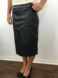 GRAND OPENING SALE 80s Vintage Leather Pencil Skirt by Sanzzini.  Calf-length with pockets 9ff89d206