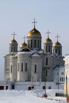 Uspenskin katedraali Vladimirissa, jonka Andrei I rakennutti 1158–1160