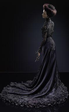 Historical fashion and costume design. Vintage Outfits, Vintage Gowns, Historical Costume, Historical Clothing, Edwardian Fashion, Vintage Fashion, Edwardian Dress, Art Dolls, Ooak Dolls