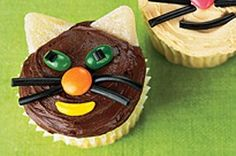 """Kitty cupcakes, or as my toddler says """"She-she!!"""""""