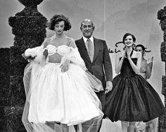 Le défilé Oscar de la Renta printemps-été 1995 3 | Mariage | Vogue