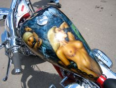Airbrushed Motorcycle Tank Art by AirbrushTour.com, via Flickr Motorcycle Paint Jobs, Motorcycle Tank, Airbrush Designs, Airbrush Art, Custom Tanks, Custom Bikes, Air Brush Painting, Car Painting, Motos Harley Davidson