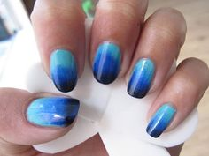 Ok, I totally gotta find someone who can do this to my nails, I love the Ombre look!