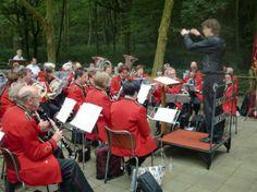 Regelmatig treden fanfares, orkesten en andere groepen op bij de Nachtegaal