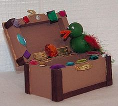 Pirate Treasure Chest Craft: How to Make a Pirate Treasure Chest Treasure Chest Craft, Pirate Treasure Chest, Treasure Boxes, Pirate Theme, Pirate Party, Summer Crafts, Crafts For Kids, Pirate Crafts, Little Girl Birthday