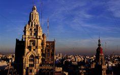 Luz del atardecer ilumina el Palacio Barolo, Buenos Aires. Foto de Gardel Bertrand