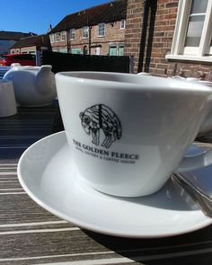 A cheeky peppermint tea at the Fleece before coworking.