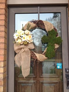 Image from http://365images.net/wp-content/uploads/2015/03/diy-easter-wreath-grapevine-wreath-wrap-burlap-ribbon-around-it-.jpg.