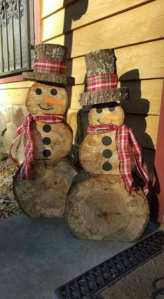 I can make this diy woodworking gifts Wooden snowmen teds-woodworking…. I can make this diy woodworking gifts Wooden snowmen Snowman Christmas Decorations, Christmas Snowman, Rustic Christmas, Christmas Diy, Christmas Ornaments, White Christmas, Christmas Trees, Diy Rustic Xmas Decorations, Natural Christmas