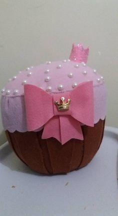 Almofada cupcake em feltro