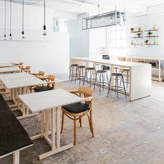 68-claremont_tom-chung-green-26-anonymstudio-minimalist-offices-roundup-workspace-lounge-_dezeen__sq