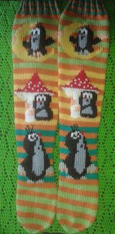 Fair Isle Knitting, Knitting Socks, Perler Bead Mario, Woolen Socks, Knitting For Kids, Knitting Ideas, Patterned Socks, Handmade Home, Hobbies And Crafts