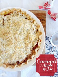 Sweet Lavender Bake Shoppe: easy caramel apple pie with crumb topping...