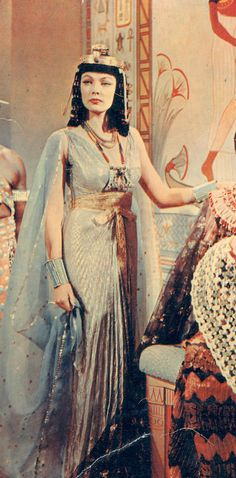 Gene Tierney is Cleopatra Elizabeth Taylor Cleopatra, Gene Tierney, Isis Goddess, Egyptian Goddess, Goddess Dress, Helen Rose, Classic Hollywood, Old Hollywood, Egyptian Fashion