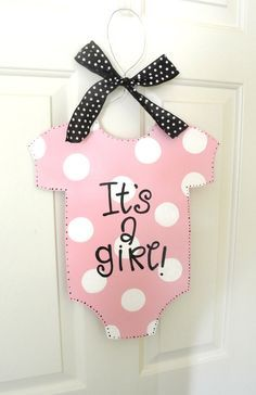 It's a Girl Baby Onesie Sign - hospital door sign - baby gifts - baby shower gifts - baby shower decoration Regalo Baby Shower, Idee Baby Shower, Baby Shower Deco, Shower Bebe, Baby Shower Signs, Baby Shower Themes, Baby Boy Shower, Shower Ideas, Baby Girl Shower Decorations