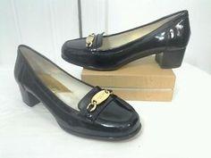 Michael-Kors-Women-039-s-SZ-6-Gold-Buckle-Black-Patent-Leather-Loafer-Heels-Shoes