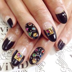 #vividnailsalonsydney#calgel#sydney#nail#nails#nailart#geldesign#art#nalisalon#gelnail#japanesenailart#ネイル#ジェルネイル#カルジェル#美甲#指甲#Swarovski #black #blacknail #french #frenchnail