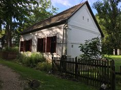 Provence, Cabin, In This Moment, House Styles, Hungary, Outdoor Decor, Plants, Mood, Home Decor