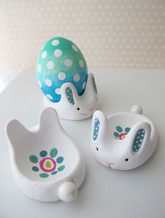 Make a polymer clay bunny to display your Easter eggs! This is an adorable project that is fun to make with friends.
