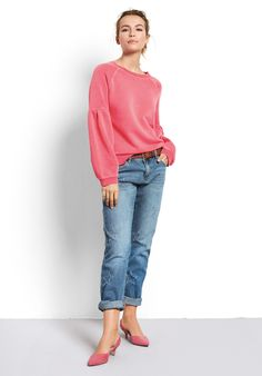 """Add a dash of colour of your everyday wardrobe with this pretty puff sleeve sweat top. Perfect when you need a smart casual look, just add our Frayed Star jeans and heels. •Relaxed fit. Try your usual size. •Puff sleeves. •Crew neck with long sleeves and ribbed collar, cuff & hem. •Model is 5'7"""" and wears size XS."""