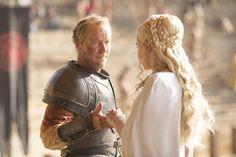 Iain Glen as Ser Jorah Mormont and Emilia Clarke as Daenerys Targaryen (season 5, episode 9)