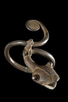 Bracelet Serpent - Gan - Burkina Faso Bracelet Serpent, Snake Bracelet, Snake Jewelry, Bracelet Bras, Bracelets, African Jewelry, Ethnic Jewelry, Afrique Art, Bronze