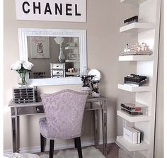 I want a little corner like this in either my bathroom or bedroom.. most likely bathroom.. ;) | Gotta Try This