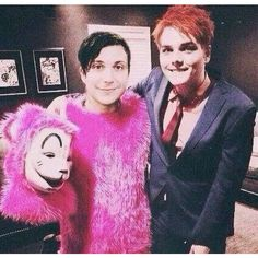 Gerard and Frank Still friends Gerard Way. Oh ma god. This actually happened..!!!!