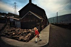 BRUCE DAVIDSON - Wales (girl in red sweater), 1965