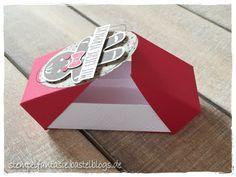 Gift wrapping / packaging |  stampin-up_verpackung_give-away_goodie_gastgeschenk_mini-double-flip-box_lebkuchenmaennchen_ausgestochen-weihnachtlich_stempelfantasie_2