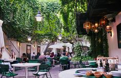 11 of Vienna's most beautiful hidden restaurant and café gardens to escape to Courtyard Restaurant, Most Beautiful, Beautiful Places, Hidden Garden, How To Make Beer, Pinoy, Table Decorations, Urban, Travel
