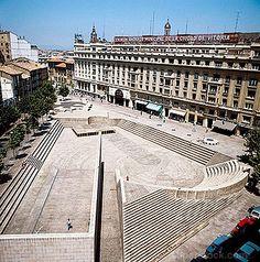 plaza+de+los+fueros Vitoria Landscape Art, Landscape Architecture, Landscape Design, Basque Country, Plaza, Urban Design, Louvre, Earth, History