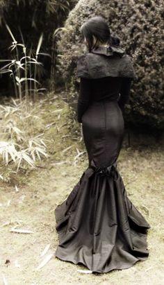 Dark beauty http://dark-beauties.tumblr.com/