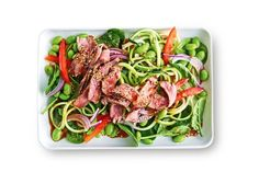 269 cal - Searching for a healthy dinner idea? Try this Asian-inspired zoodle salad with spicy beef. Dinner Bowls, Fish Dinner, Dinner Dishes, Dinner Plates, Chicken Spices, Chicken Recipes, Recipe Chicken, 800 Calorie Meal Plan, Calorie Diet