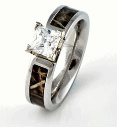 LOVE this!! Camo Engagement Wedding ring