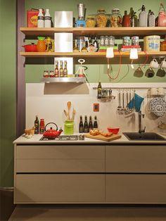 Loft Mulher Moderna - Casa Cor 2014 -  Isabela Bethônico Arquitetura. Cozinha integrada / Detalhes
