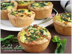 Spinach Quiche Ispanaklı Kiş Tarifi Whoever performs a good deed (good deed) is his (benefit) test. Whoever does evil is against himself. Then you (all of you) will be returned to your Lord. World Recipes, Pie Recipes, Appetizer Recipes, Dessert Recipes, Spinach Quiche Recipes, Savory Pastry, Apples And Cheese, Greek Cooking, Eastern Cuisine