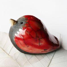 ON order only * Raku Bird * Bird Tomato *, red ceramic bird, unique designer piece, ceramic sculpture, handmade Raku Pottery, Sculptures Céramiques, Sculpture Art, Ceramic Birds, Ceramic Art, Clay Art Projects, Grilling Gifts, Pinch Pots, Clay Figures