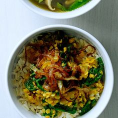 Spiced Red Lentils with Caramelized Onions and Spinach - Easy Vegetarian Recipes - Sunset Mobile Vegetarian Thanksgiving, Vegetarian Main Dishes, Vegetarian Entrees, Vegetarian Recipes Easy, Thanksgiving Recipes, Indian Food Recipes, Cooking Recipes, Healthy Recipes, Healthy Foods