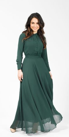 Modest Empress Maxi Dress so so so so beautiful but so so expensive Modest Dresses, Modest Outfits, Modest Fashion, Hijab Fashion, Cute Dresses, Dress Outfits, Casual Dresses, Fashion News, Maxi Dress With Sleeves
