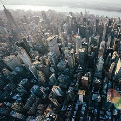 Get lost in the mix...#OutlineTheSky #NYC #WeOwnTheSky Photo: @pketron x @flynyon